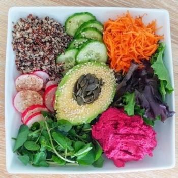 Hummus & Quinoa Salad Bowl